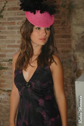 tocado y vestido de carola madariaga y fan fan et poupi con blogger murciana Isa Espín