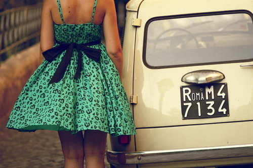 back-car-dress-girl-green-vintage-Favim.com-40281