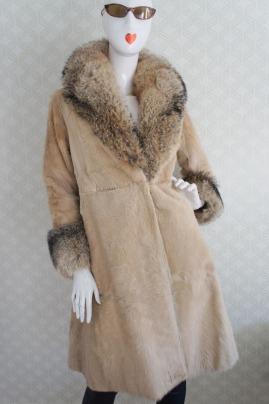 Vintage online shopping