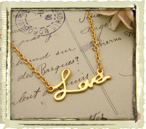 matte_gold_love_necklace